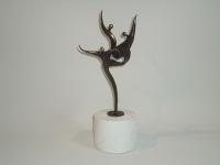 urn-klein-met-bronzen-engelen