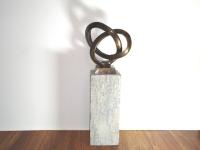 bronzen beeld ringen-verbondenheid