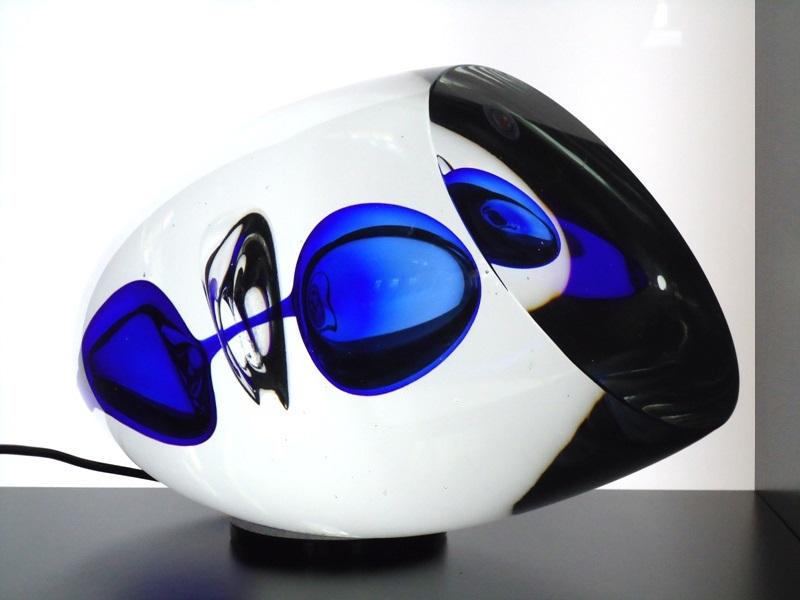 moderne glazen urn abstract