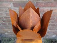 unieke bijzondere tulp urn cortenstaal