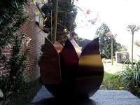 moderne urn tulp bijzonder exclusief buiten