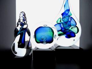 kleine glazen druppel urnen