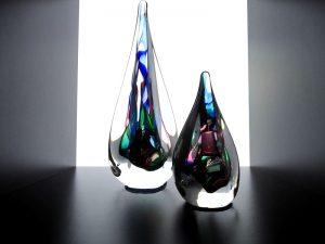 glazen mini urnen met druppels