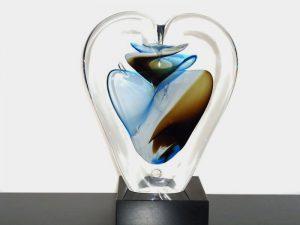 kleine glazen hart urn