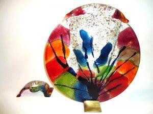 moderne glazen urnen in kleur