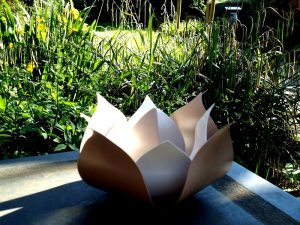 urnen modern staal roos tulp